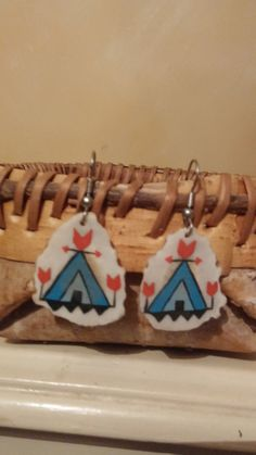 Items similar to Hand-Painted Deer Antler Earrings on Etsy Painted Deer Antlers, Deer Antler Jewelry, Contemporary Style, Horns, Hand Painted, Christmas Ornaments, Holiday Decor, Unique Jewelry, Handmade Gifts