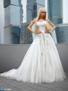 Sissi Chloe (Posts tagged i want to be a girl) White Lace Wedding Dress, Elegant Wedding Dress, Prom Dresses, Formal Dresses, Wedding Dresses, Mode Kawaii, Barbie, Hair Pictures, Dress Collection