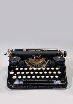 underwood portable typewriter 3 bank, 1920~1929