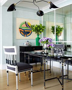 Landmark Decision: A Historic Renovation in Manhattan - ELLE DECOR, with a Frank Stella painting on the back wall. Small Dining, Small Space Living, Living Spaces, Living Rooms, Frank Stella, Beautiful Dining Rooms, Dining Room Design, Dining Area, Dining Table
