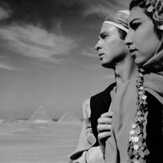 Such a huge influence on Egyptian dance as we know it- the one and only Reda Troupe