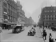 Looking along Swanston Street, Melbourne, Photograph from Harold Paynting Collection, State Library Victoria / Lyle Fowler. Melbourne Victoria, Victoria Australia, Melbourne Australia, Australia Travel, Melbourne Cbd, Brisbane, Melbourne Suburbs, Historical Architecture, Vintage Architecture