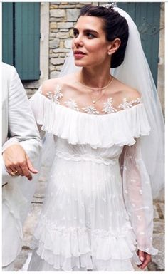 The beautiful bride Charlotte Casiraghi on her religious wedding. Did you like her wedding dress? Famous Wedding Dresses, Royal Wedding Gowns, Wedding Dresses Photos, Royal Weddings, Wedding Wear, Bridal Gowns, Andrea Casiraghi, Charlotte Casiraghi, Beatrice Borromeo