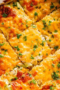 Zucchini Casserole - Packed full of fresh zucchini and cheddar cheese, this easy and creamy Zucchini Casserole is a delicious, low carb dinner that comes together in just 30 minutes! Baked Squash And Zucchini Recipes, Zuchinni Recipes, No Carb Recipes, Tasty Vegetarian Recipes, Free Recipes, Keto Side Dishes, Vegan Dishes, Healthy Dishes, Healthy Foods