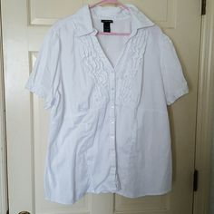 White button down ruffled blouse This blouse from Lane Bryant is a must have for your wardrobe. Lane Bryant Tops Blouses