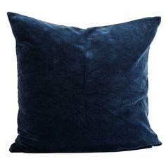 Madam Stoltz-Madam Stoltz - Blue Velvet Cushion Cover, 60 X 60 cm - Blue Large Cushion Covers, Cushion Cover Designs, Large Cushions, Blue Cushions, Blue Throw Pillows, Velvet Cushions, Bedroom Red, Modern Bedroom, Master Bedroom