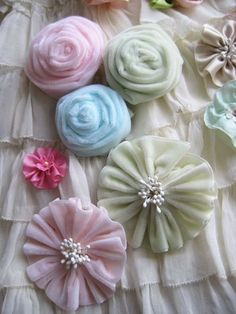 Crafts to Make with Ribbon   Ribbon Flowers - Pretty Petals