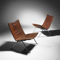 Poul Kjaerholm PK 22 chairs, pair E. Table Furniture, Modern Furniture, Furniture Design, Sofas, Poul Kjaerholm, Danish Interior, Archi Design, Sofa Chair, Living Room Chairs