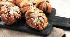 Roys bästa kanelbullar Baking Recipes, Cake Recipes, Dessert Recipes, Swedish Recipes, Sweet Recipes, Roy Fares, Cookie Bakery, Cocktail Desserts, Deserts