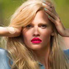 Lara Stone : summer make up