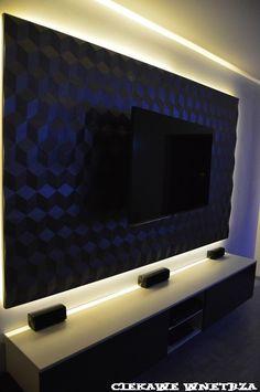 Ściana TV z paneli 3D. Wall TV with 3D panels.