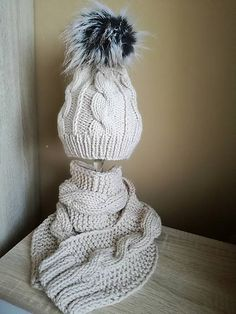 Pavlak / Súprava hneda čiapka šál Winter Hats, Fashion, Moda, Fashion Styles, Fashion Illustrations