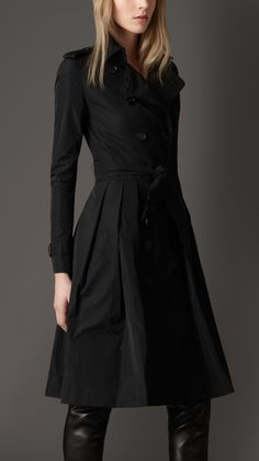 Burberry Long Pleated Full Skirt Trench Coat in Black