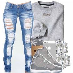 I like this laid back look. Lately Iv'e been obsessed with ripped jeans.