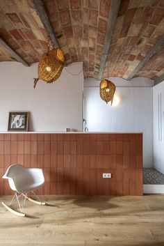 'Ático en Gracia', an example of internal rehabilitation. A reform in the neighborhood of Gracia, in Barcelona, where Twobo Architecture reflects the. Interior And Exterior, Interior, Interior Inspiration, Home, Interior Architecture, Interior Spaces, Interior Details, House Interior, Interior Inspo