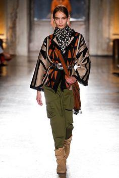 Alberta Ferretti Resort 2019 Fashion Show Collection: See the complete Alberta Ferretti Resort 2019 collection. Look 2 Latest Fashion Trends, Runway Fashion, Boho Fashion, Winter Fashion, Fashion Outfits, Fashion Design, Fashion Tips, Vogue Fashion, Womens Fashion