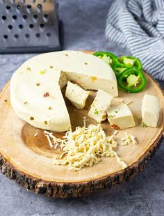 Vegan Pepper Jack Cheese Vegan Cheddar Cheese, Vegan Cheese Recipes, Vegan Cheese Sauce, Vegan Meals, Vegan Sauces, Cheese Stuffed Peppers, Cheese Ingredients, Pepper Jack Cheese, Base Foods
