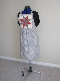 Apron LeMoyne Star patch//Full adjustable apron//Star print//pockets by Sewginidesigns on Etsy