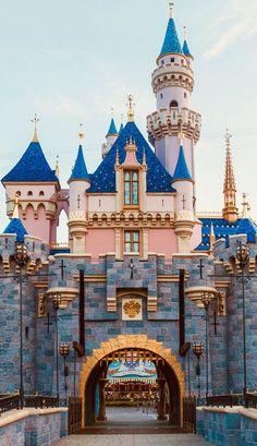 Disneyland Paris Drawing Disneyland - Fruits in the Garden - - Disneyland Paris Outfit, Disneyland Paris Christmas, Disneyland Paris Castle, Paris Outfits, Disneyland Park, The Jungle Book, Paris Winter, Disney Art, Disney California