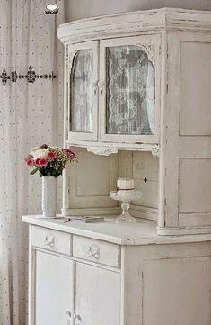 Alacena vintage blanca,preciosa.