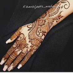 Henna More Been looking for henna body designs or Mehndi artist then CLICK VISIT link to see Khafif Mehndi Design, Simple Arabic Mehndi Designs, Mehndi Designs For Girls, Stylish Mehndi Designs, Dulhan Mehndi Designs, Wedding Mehndi Designs, Mehndi Design Pictures, Arabic Henna Designs, Beautiful Mehndi Design