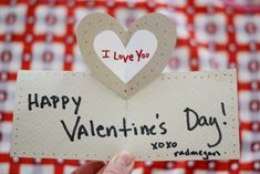 Check out these crafty ideas for DIY Valentine's Day cards that you can make in less than a minute! Make your valentine feel extra special with a handcrafted card. Valentine Crafts, Valentine Day Cards, Happy Valentines Day, Valentine Ideas, Love Pop Up Cards, Cool Diy Projects, Art Projects, Diy Paper, Paper Crafts