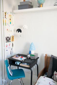 Kids blackboard / chalkboard desk - plus pale blue Heico toadstool lamp