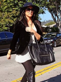Kourtney Kardashian - New eBay Auctions
