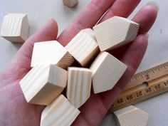 Little Houses, Mini Houses, Houses Houses, Decorative Bird Houses, Wooden Figurines, Wood Gifts, Miniature Houses, Miniature Dollhouse, Wooden Crafts