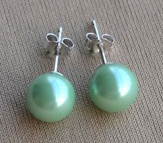 Hey, I found this really awesome Etsy listing at https://www.etsy.com/listing/157638244/turquoise-pearl-earringsglass-pearl
