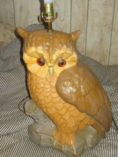 Huge Vintage chalkware Owl Lamp glass or lucite eyes 24 inches in height widest width 17 in a couple small few chips on areas where the paint has rubbed off. Owl Lamp, Flea Market Finds, Harp, Fleas, Owls, Butterflies, Birds, Craft Ideas, Christmas Ornaments