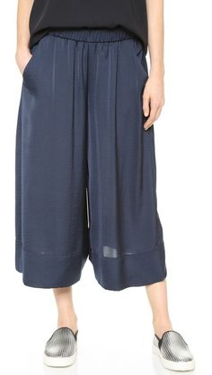 Pull-on Vince wide-leg culottes with an easy drape. Covered elastic waist.