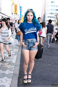 Fashion Designer Yeji Jo in Harajuku. Not sure if I've pinned this before. But this girl is every one of my personal goals. She is absolutely gorgeous!