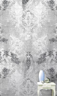 This baroque wallpaper to the antique effect, gives the impression of a wear due to time. A quality wall decor that gives an atmosphere old castle to Motif Baroque, Painting Textured Walls, Old Wallpaper, Accent Wall Bedroom, Plaster Walls, Wall Treatments, Painting Techniques, Decor Interior Design, Wall Murals