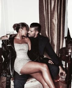 Image uploaded by 𝒷𝓊𝓃𝓃𝓎 ♡. Find images and videos about love, dress and couple on We Heart It - the app to get lost in what you love. Couple Chic, Rich Couple, Classy Couple, Elegant Couple, Hot Couples, Cute Couples Goals, Romantic Couples, Couple Goals, Romantic Gifts