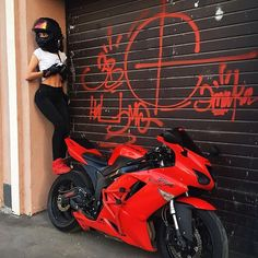 52 Ideas Motorcycle For Women Ninjas Motorbikes Motorbike Girl, Motorcycle Helmets, Motorcycle Quotes, Bobbers, 600 Honda, Yzf R125, Motorcycle Photography, Triumph Motorcycles, Custom Motorcycles