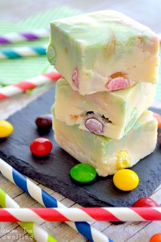 15 Leftover Halloween Candy Recipes - Spooky Little Halloween Fun Desserts, Delicious Desserts, Dessert Recipes, Yummy Food, Rainbow Treats, Rainbow Food, Fudge Recipes, Candy Recipes, Yummy Treats