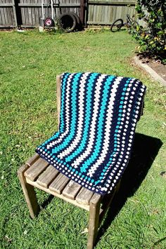 L.I.S. Life In Segments: Crochet DB granny stripe blanket