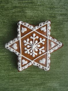 gingerbread Biscotti, Sugar Cookies, Macarons, Gingerbread, Icing, Cake Decorating, Christmas Decorations, Xmas, Cooking