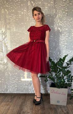 Chloe, Formal Dresses, Skirts, Red, Fashion, Dresses For Formal, Moda, Formal Gowns, Skirt
