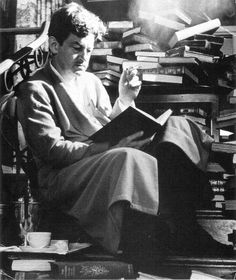"""""""Preston Sturges: King of screwball comedies, sold first spec script, """"Sullivan's Travels,"""" """"Palm Beach Story"""". Star Reading, What Is Reading, Preston Sturges, The Lady Eve, William Faulkner, Old Hollywood Stars, Classic Hollywood, Film Images, Star Show"""