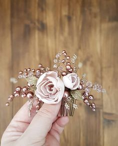 Vintage inspired Bridal hair comb, Bronze Wedding hair comb, Bridal headpiece, W… – Julia Nikitina – Join in the world of pin Vintage Hair Combs, Vintage Wedding Hair, Hair Comb Wedding, Wedding Hair Pieces, Headpiece Wedding, Wedding Rings, Flowers In Hair, Fabric Flowers, Bronze Wedding