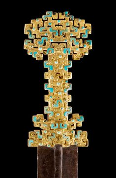 China - Sword with inlaid openwork hilt  金柄蟠虺紋鑲嵌寶石鐵劍  Spring and Autumn period (770–476 BC), Eastern Zhou Dynasty Historical Artifacts, Ancient Artifacts, Chinese Weapons, Sword Hilt, Swords And Daggers, Ancient China, Chinese Antiques, Chinese Art, Chinese Element
