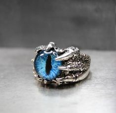 Dragon Eye Statement Ring Gothic Talon Claw Ring Game of Thrones inspired Hand Painted Glass Eye Vic Dragon Ring, Dragon Eye, Dragon Claw, Silver Lockets, Sterling Silver Necklaces, Men's Jewelry Rings, Jewelry Art, Jewellery, Game Of Thrones Jewelry