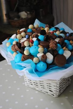 LOS DETALLES DE BEA: Chocolates, galletas y balones para una familia de campeones!!