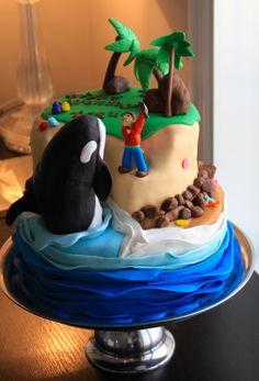I really want someone to make me a cake like this!!