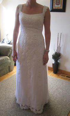 Used Venus Wedding Dress Size 14