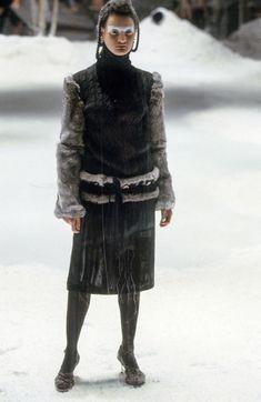 Alexander McQueen Fall 1999 Ready-to-Wear Fashion Show Collection #alexandermcqueenrunway