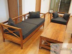 Kursi Tamu Minimalis Jati Silang dibuat dari bahan baku kayu jati dengan kualitas terbaik yang didesain minimalis cocok melengkapi ruang tamu rumah idaman