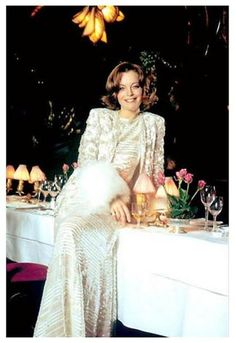 Romy in den Siebzigern Romy Schneider, Gorgeous Women, Beautiful People, Sarah Biasini, Claudia Cardinale, Classic Movie Stars, French Actress, Audrey Hepburn, Role Models